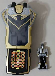 GOLD KING RANGER, Super Megaforce - Silver Morpher Review