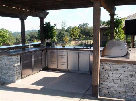 optimizing  outdoor kitchen layout hgtv