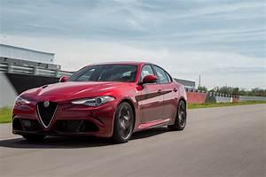 Alfa Romeo Giula : another week with 2017 alfa romeo giulia quadrifoglio automobile magazine ~ Medecine-chirurgie-esthetiques.com Avis de Voitures