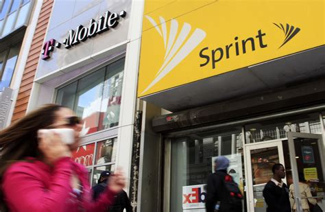 sprint t mobile to sell 26 5b deal to antitrust cops chicago tribune