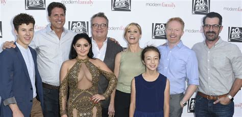 modern family season 8 cast still negotiating as future remains unknown