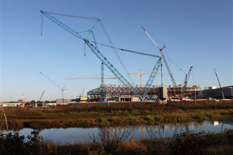giant crane finishes job  high tech factory intel newsroom