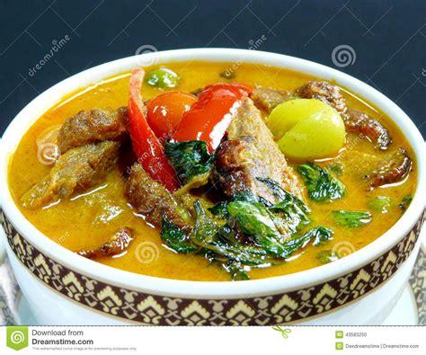 cuisine thailandaise cuisine thaïlandaise cari avec le canard de rôti