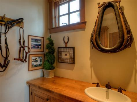 Choose The Right Size For Your Rustic Bathroom Mirrors