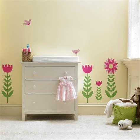deco murale chambre fille stickers chambre bébé fille pour une déco murale originale