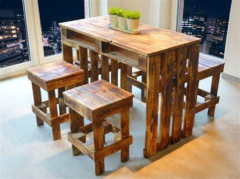 Tisch Mit Hocker by Palettenmoebel Sitzgruppe Paletten Tisch Hocker