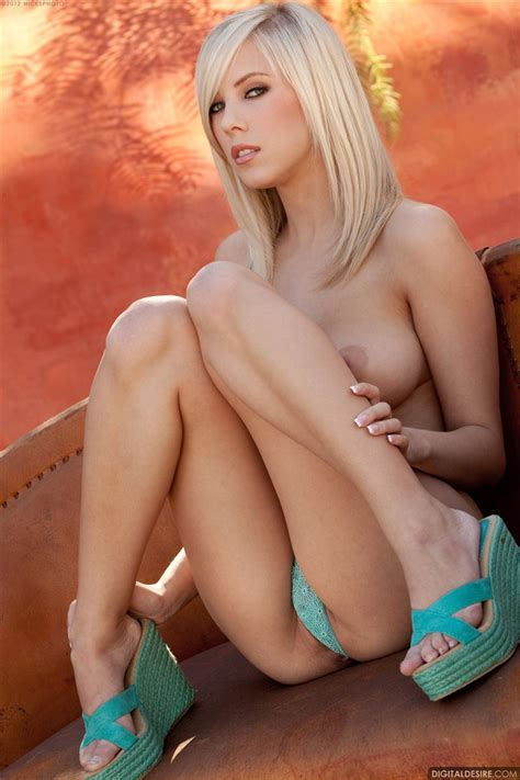 Bibi Jones Shows Off Her Perky Tits Outside In A Blue