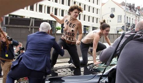 siege tunisie telecom belgique femen attaque le cortège d ali laarayedh