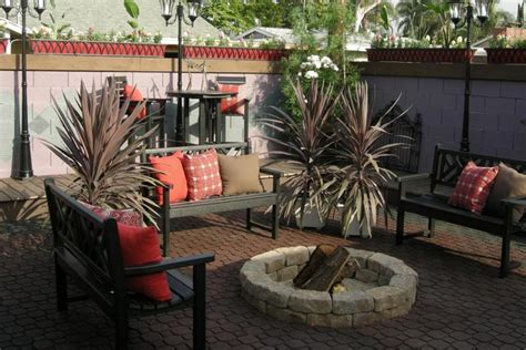 quiet cornerhow    backyard fire pit quiet corner