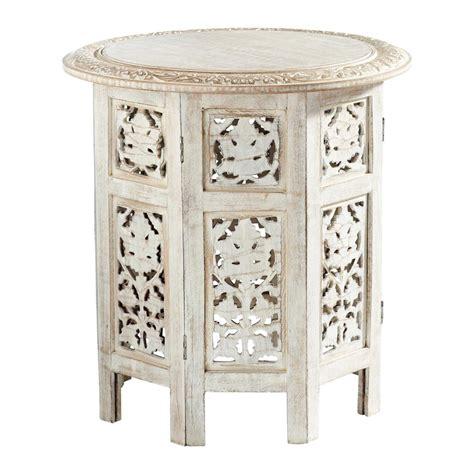 bout de canapé maison du monde bout de canapé sculpté en bois blanchi l 46 cm saranya