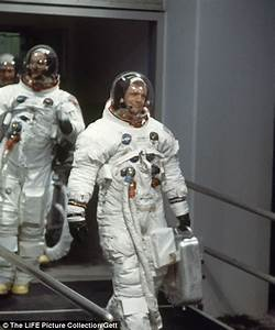 Neil Armstrong's spacesuit in $500k crowdfunding campaign ...