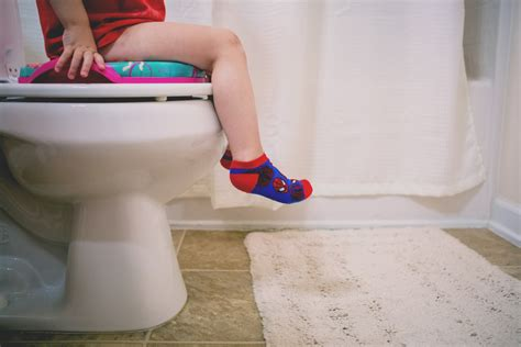 7 Ways To Overcome Poop Withholding Daily Mom