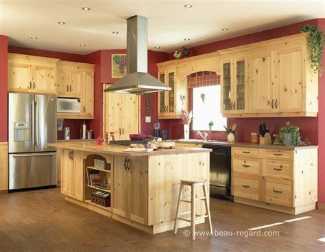 cuisine en pin armoires de cuisine chêtre pin 2 idée de décoration