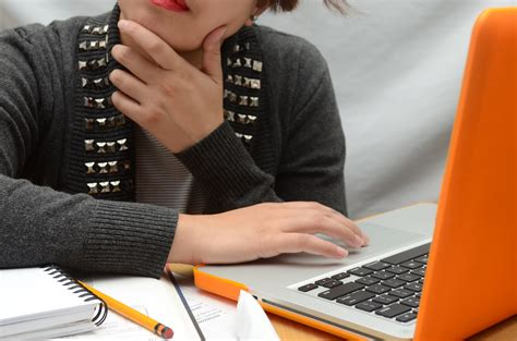 5 Ways to Find the Top Online Degree Programs - wikiHow