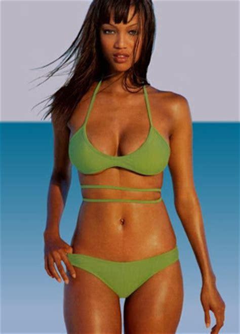 hot bikini fashion show  tyra banks hot american model