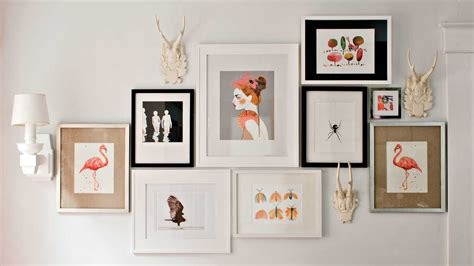 how to make a gallery wall 4 tricks for hanging a gallery wall southern living