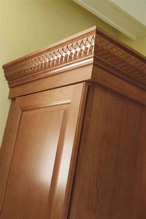 inset shaker style doors with cove crown and light shaker crown moulding kemper cabinetry