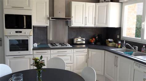 comment renover sa cuisine en chene repeindre cuisine en chene massif cool cliquez pour plus
