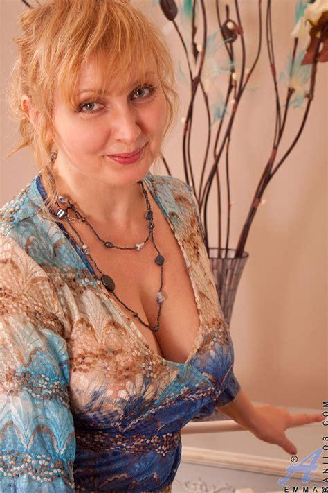 freshest mature women on the net featuring anilos emma moms a slut