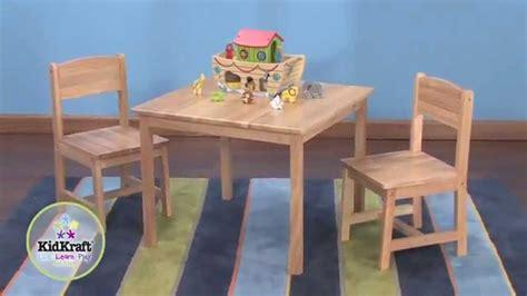 table et 6 chaises table pour enfant en bois naturel et 2 chaises