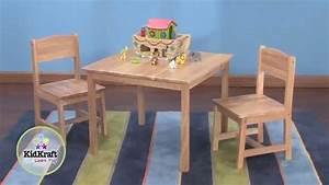 Table pour enfant en bois naturel et 2 chaises youtube for Table et chaise en bois