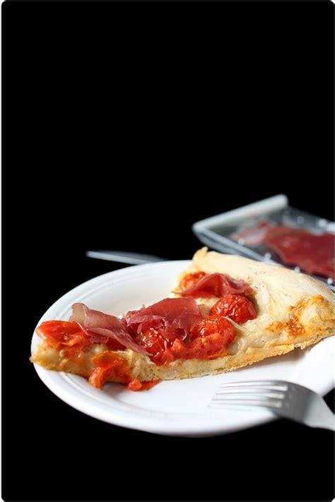 pate a pizza pour 2 personne pizza de tomates cerises bressaola et mozzarella chefnini