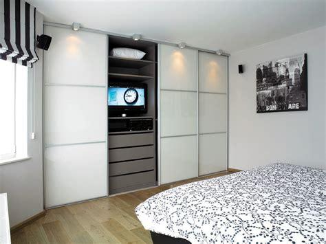 porte de bureau en verre armoire sur mesure dans la chambre à coucher avec portes