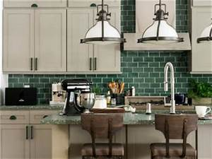 Kitchen backsplash ideas designs and pictures hgtv for What kind of paint to use on kitchen cabinets for hgtv wall art