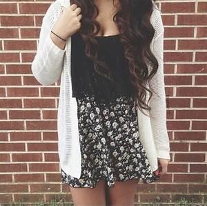 Skirt: tumblr, daisy, black, skater skirt, blouse, dress ...