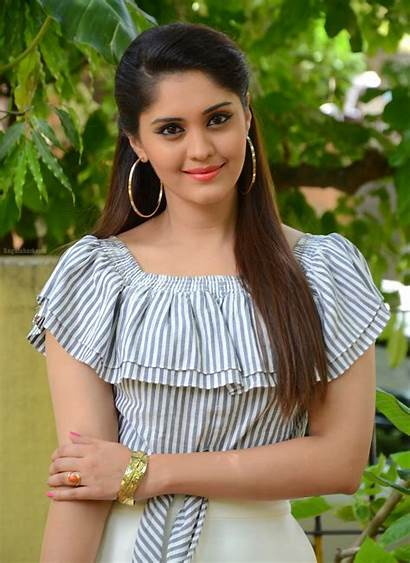 Actress Tamil Surabhi Beauty Stunningly Puranik Natural