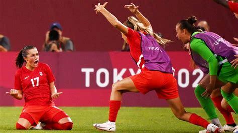 Kanāda Tokijā izslēdz pasaules čempioni ASV, finālā arī Zviedrijas futbolistes - Tokija 2020 ...