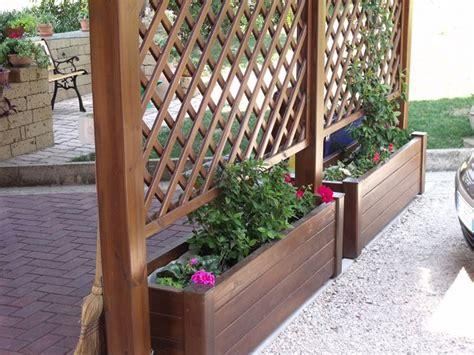 fioriere in legno con grigliato fioriere con grigliato vasi e fioriere grigliati con