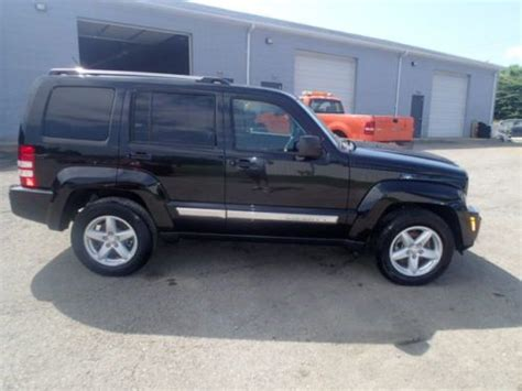 crashed jeep liberty sell used 2012 jeep liberty limited 4x4 salvage damaged