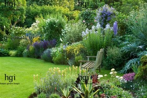 how to create a cottage garden border harpur garden images 09egc13 traditional english cottage garden lawn bench seat chair focal