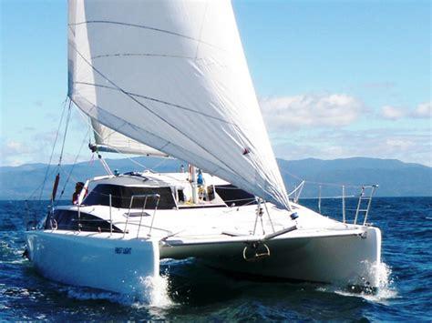 lightwave  catamaran  sale yachts  sale