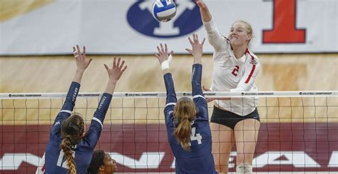 Stanford Womens Volleyball Takes On Nebraska For The Title