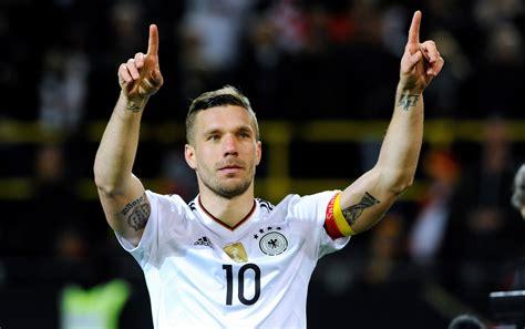 Lukas josef podolski (born on 4 june 1985) is a german professional footballer who plays as a forward for japanese side vissel kobe. Arsenal: Lukas Podolski Drank Too Much Of The Kool-Aid