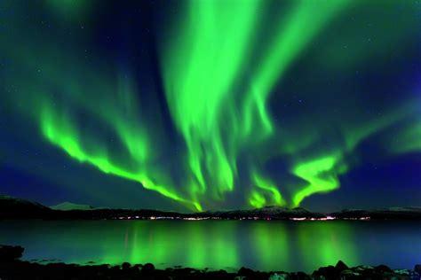 Hd Wallpaper Northern Lights Perfektes Polarlicht In Norwegens Norden Seen De Magazin