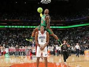 Dwight Howard Reflects on the Dunk with Nate Robinson ...
