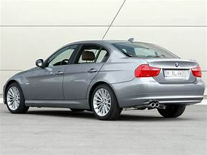 Bmw Serie 3 2011 : 3 series sedan e90 e91 e92 e93 facelift 3 series bmw database carlook ~ Gottalentnigeria.com Avis de Voitures