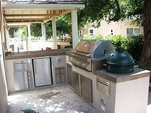 Outdoor kitchen layout how to welcome the christmas for Outdoor kitchen layout