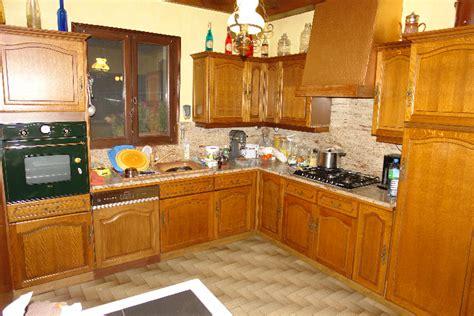 relooker une cuisine rustique rénovation cuisine
