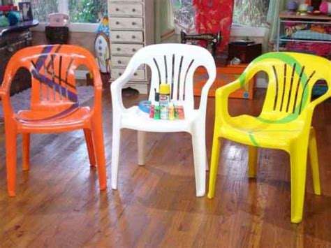 customiser une chaise painted patio furniture diy