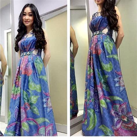 model baju batik pesta  elegan  berkelas
