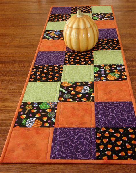halloween quilted table runner halloween table runner