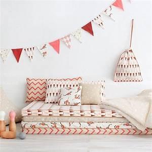 20 jolies idees pour decorer une chambre denfant le With tapis chambre enfant avec le canape le plus confortable