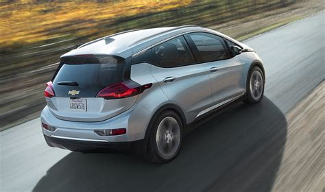 Chevrolet Bolt 2016 by 2016 Chevrolet Bolt Electric Hatch Revealed At Ces