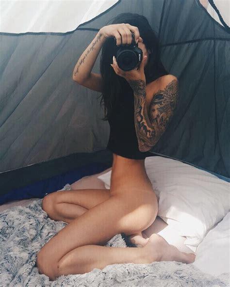 Alexandra Stark  nackt