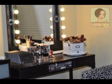 Lighted Vanity Set by Makeup Vanity Set With Lighted Mirror