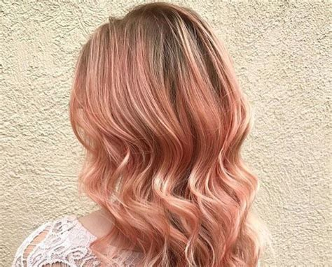 Forget Unicorn Hair, It's Now All About Smoked Peach Hair